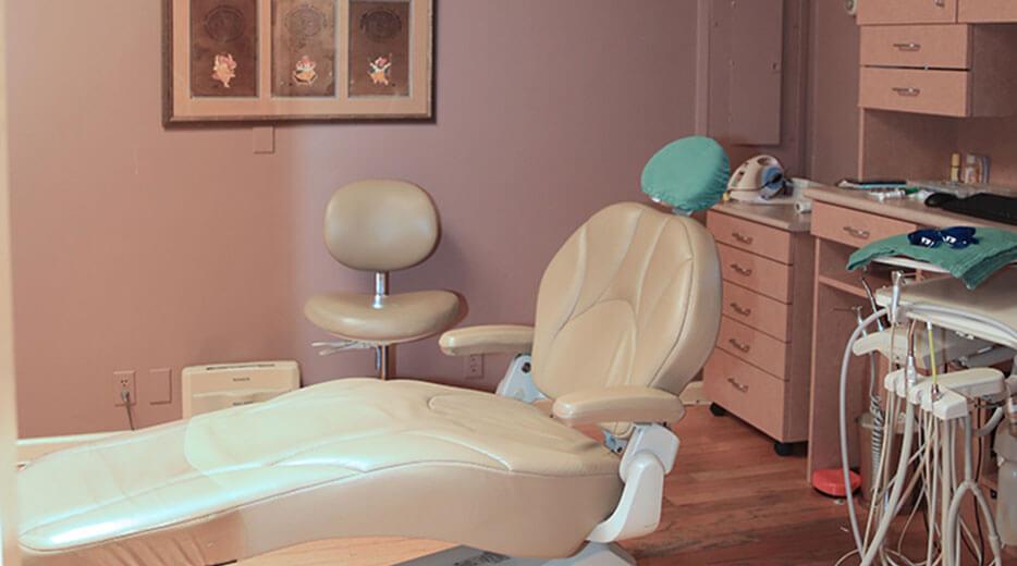 Transcendentist Treatment Room Case 02